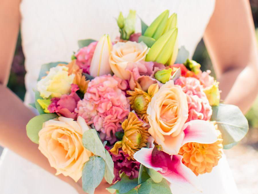 Les Préparatifs des fleurs du mariage